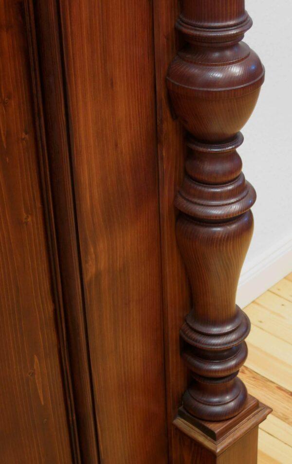 Eintüriger Weichholz Dielenschrank