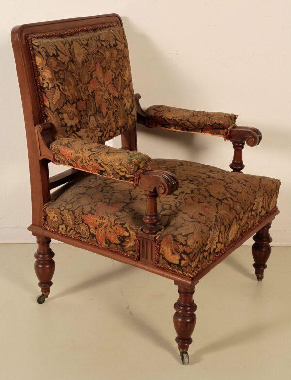 Zwei Sessel und zwei Stühle aus der Gründerzeit