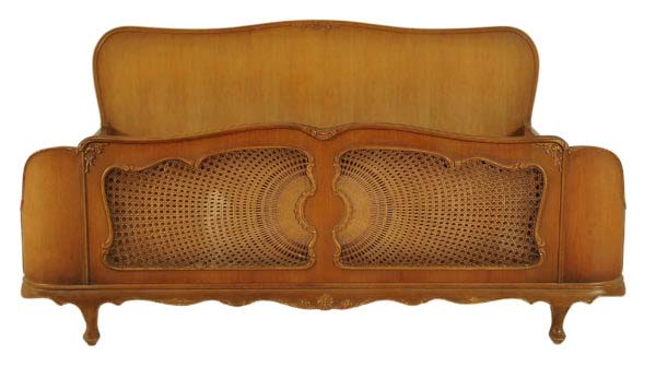 Chippendale Doppelbett aus Nussbaum
