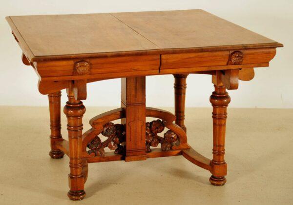 Ausziehbarer französischer Jugendstil Tisch