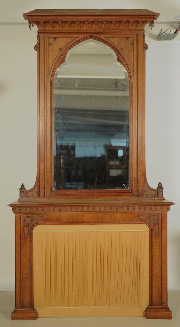 Neogotische Konsole mit Spiegelaufsatz