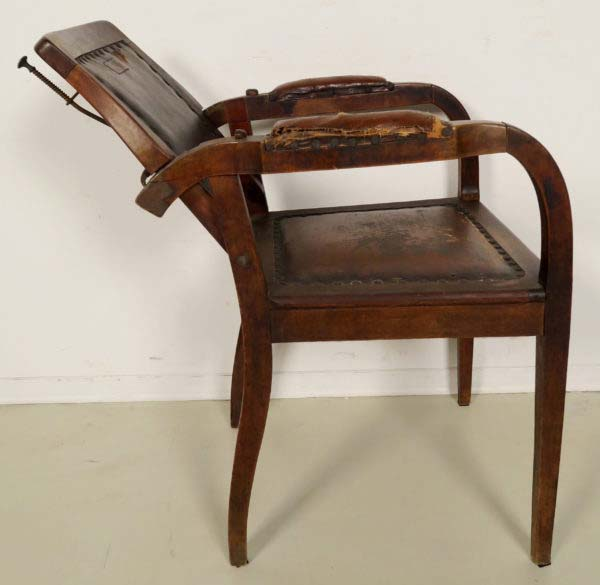 Original Jugendstil Frisör- und Behandlungsstuhl
