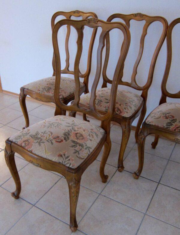 Vier Chippendale Stühle mit geschwungenen Beinen