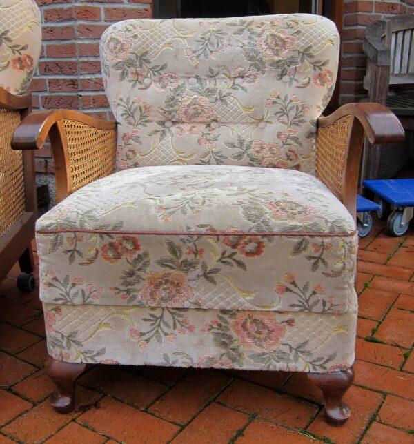 Chippendale Sessel mit geschwungenen Beinen