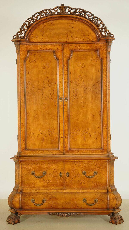 Neorenaissance Kabinettschrank mit runder Krone