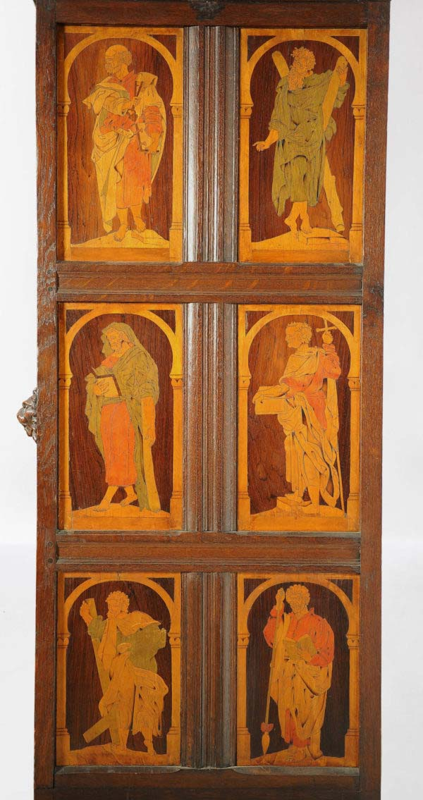 Sakristeischrank mit vier Kardinaltugenden